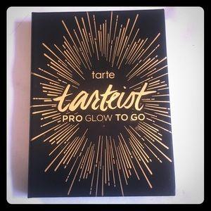Tarte tarteist pro to-go highlight and contour kit